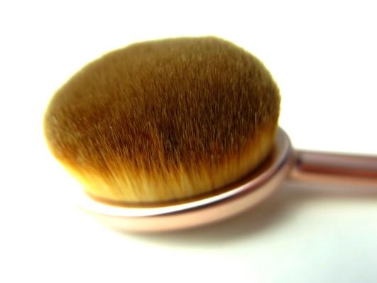 oval-cheek